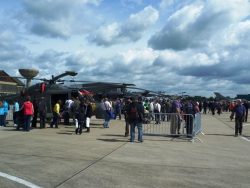 Crowds and aircraft